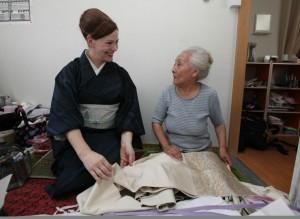 0804190Sayuki-with-Kamaishi-geisha-760x554
